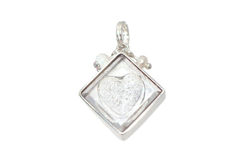 ashes-in-jewellery-embossed-charm